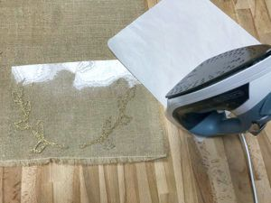how to decorate burlap with Glitter HTV