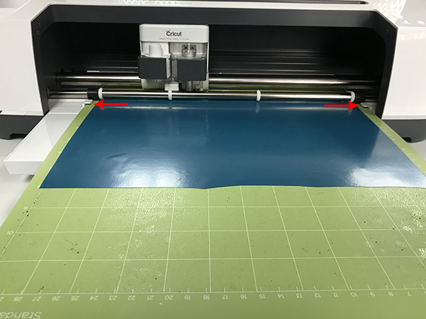 How to load the cutting mat in to the Cricut Maker