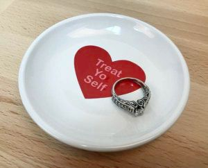 DIY conversation heart ring dish with EasyPSV Permanent Ketchup and Coral Reef