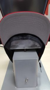 e3fb860ddca Remove the cardboard liner from the snapback hat Adjust the sweatband on  the snapback cap ...
