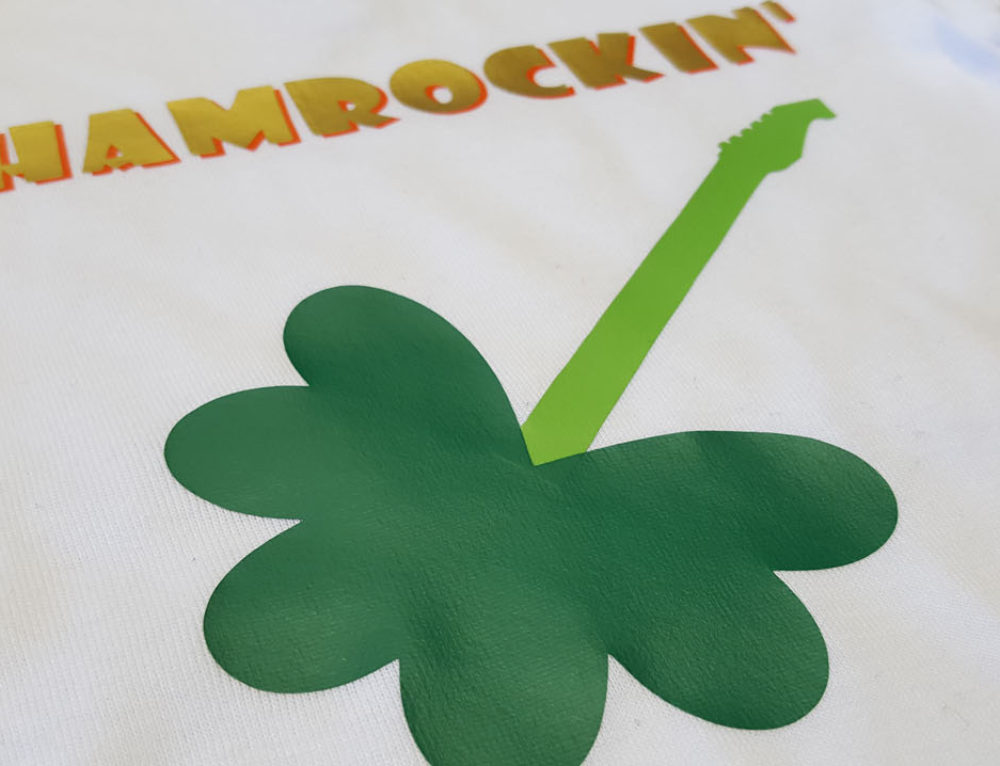 St.Patty's Day Onesie + How to Make a Shamrock in Cricut Design Space