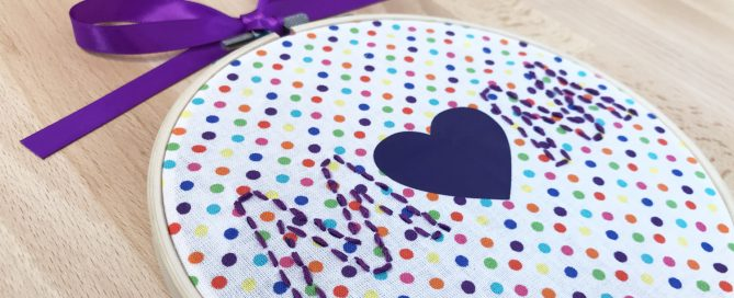 DIY embroidery hoop art for mother's day