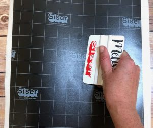 Squeegee Application Tape to adhere Chalkboard EasyPSV